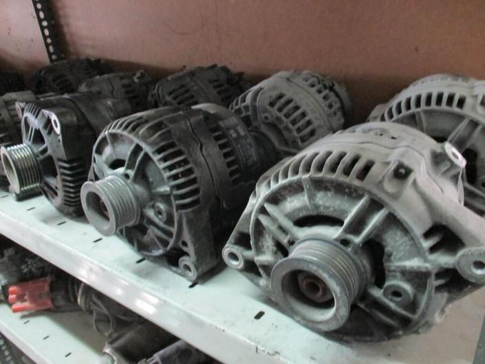 PKW Ersatzteile   Lichtmaschine Generator