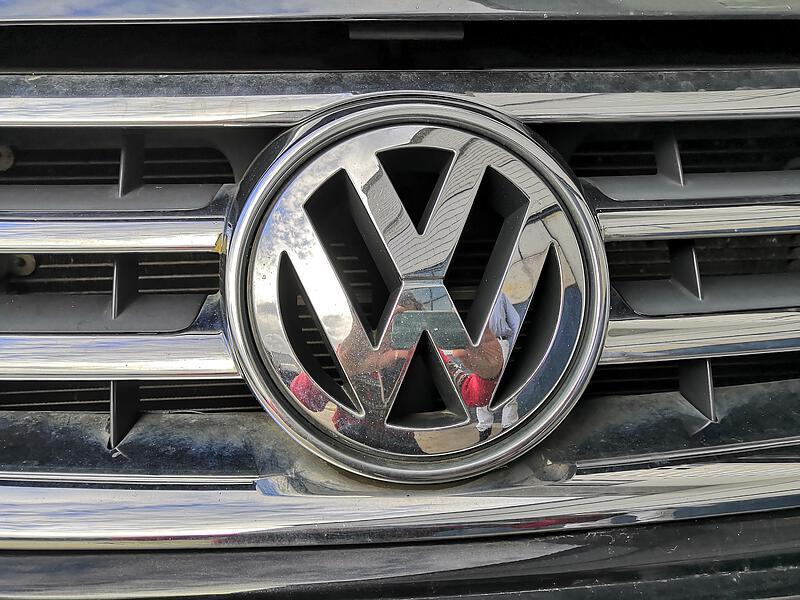 VW Ersatzteil Gebraucht   Grill